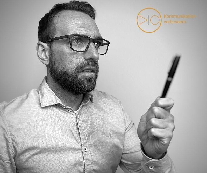 Rene Kohlenberg berät Unternehmen bei Fragen der Kommunikation.